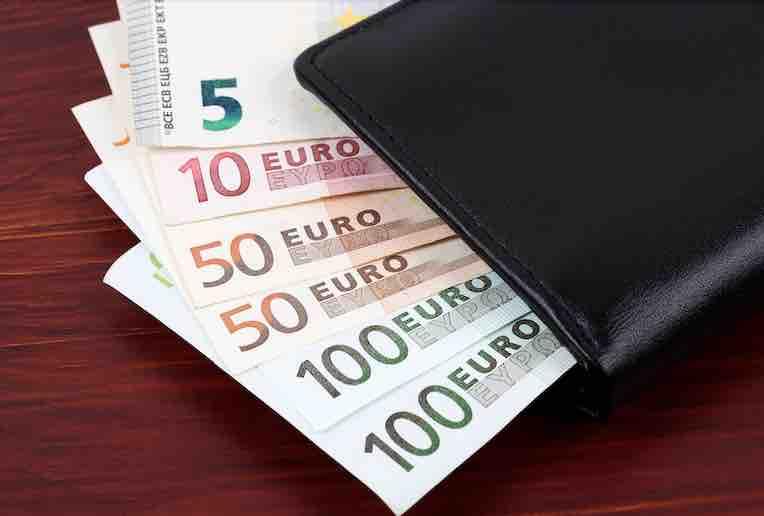 El dinero y la comida (2)